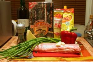 Продукты для мясного рулета с сыром и грибами