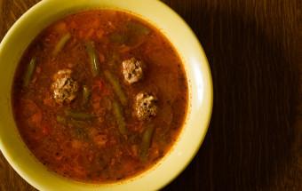 Суп с фрикадельками по испански